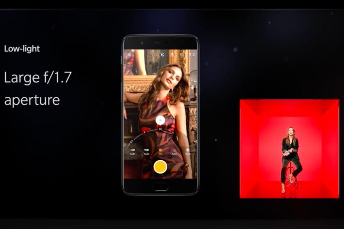 找來超模Emily Ratajkowski 同大家講雙相機功能,可見 OnePlus 十分看重 16MP + 20MP 的拍攝質素。