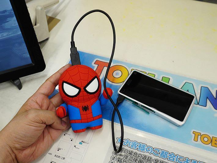 蜘蛛俠充電池。
