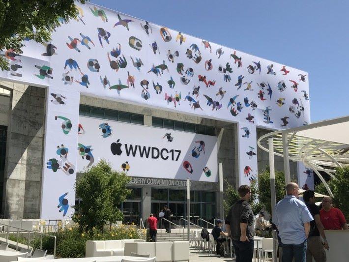 WWDC 場外已準備就緒