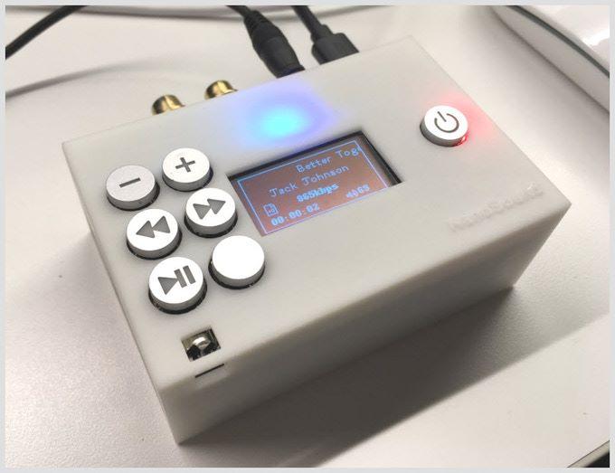 廠方表示正在開發給這塊擴充板用的機殼可供選購,還會提供 stl 檔供擁有 3D 打印機的用戶自行下載打印。