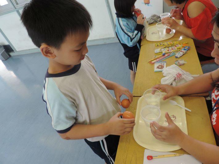 常識科早前有舉辦 STEM Day,由家長及教師一起接受培訓,並在現場主持攤位。