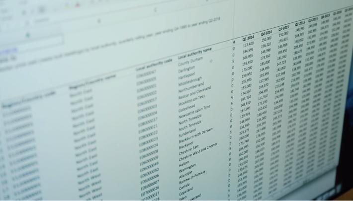 機械人會從大數據資料庫中抽取數據來寫新聞。