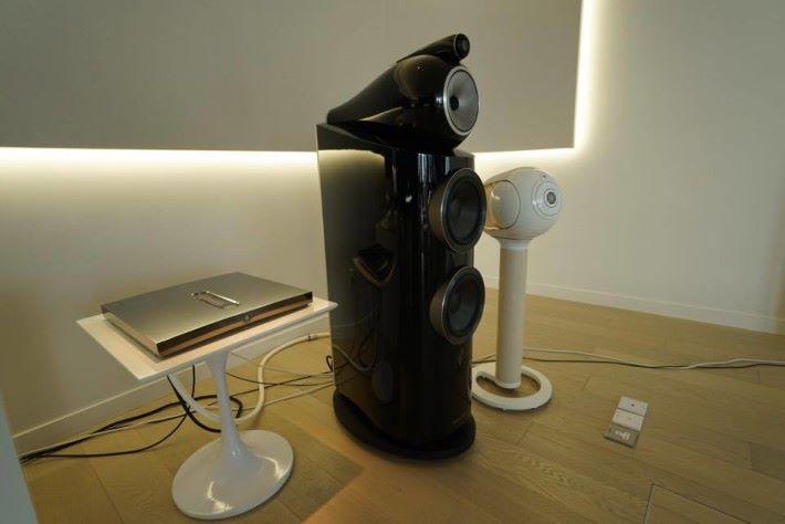 .Expert Pro一體理擴音器有齊前級、解碼、後級等功能,足以推動如 B&W 大型揚聲器。
