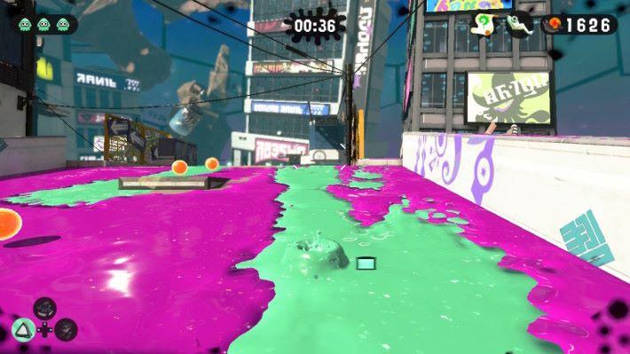 玩家於油漆通道內潛泳,可以進行高機動性的移動,同時補充油漆量方便戰鬥。