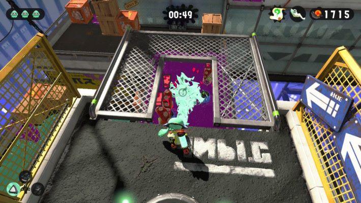 若果身處高位的話,潑桶能夠發揮極強的殺傷力,大量油漆迅速落下可消滅大量敵人。