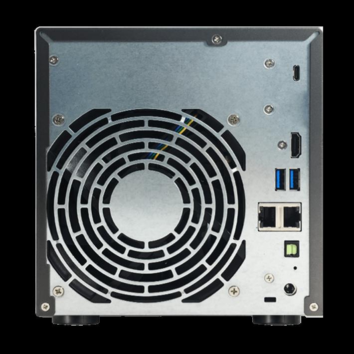 部份型號有 HDMI Port,可直接 Output 到電視。
