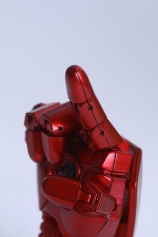 擺出不同手部造型