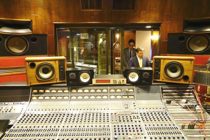 與錄音室的喇叭比較
