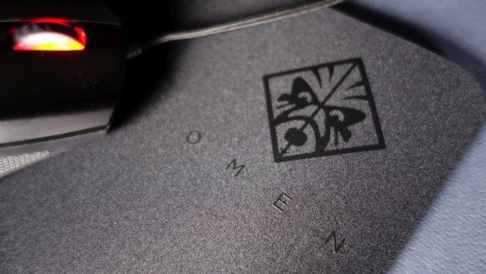 能令滑鼠有更好發揮的 MousePad 100/300