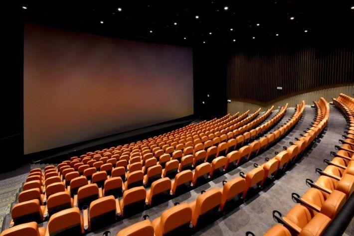 全港最寬敞的 IMAX 放映室