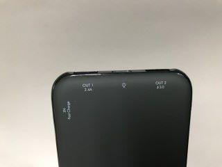 支援 9V 輸入高速充電技術,讓電池能在快3倍的速度下完成充電