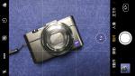 當相機平放,鏡頭向下就會出現黃色的十字水平儀。