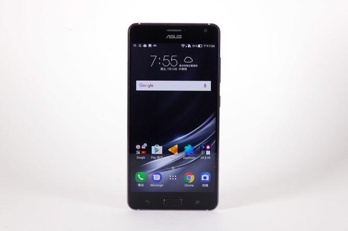 ZenFone AR 本體,此機只有黑色版本發售。