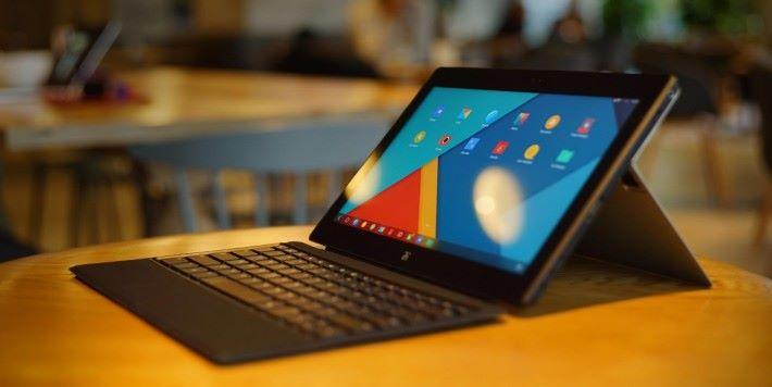Remix OS 結合 Android 的簡便和傳統 PC 的操作。
