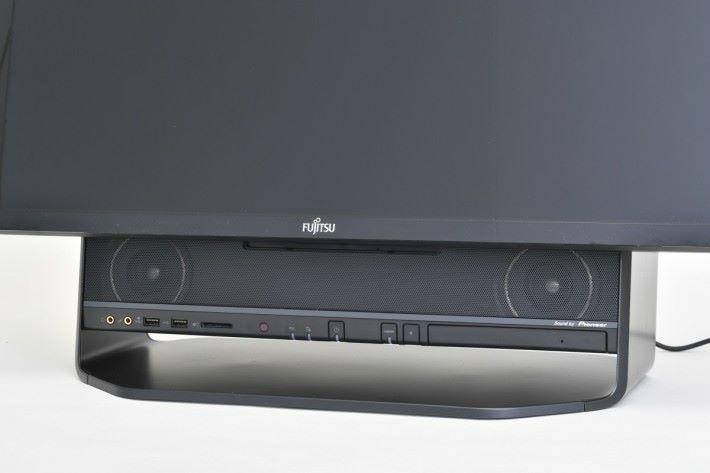 配備籃光碟機及支援 Hi-Res Audio 的音響系統。