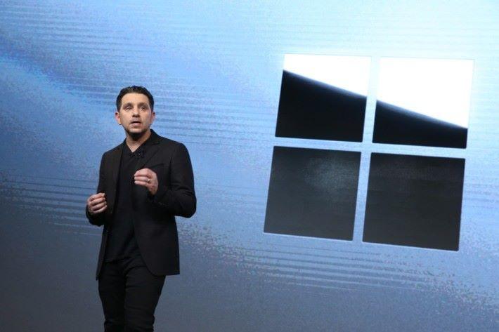 微軟高層 Panos Panay 在文件中承認 Surface 產品出現問題。