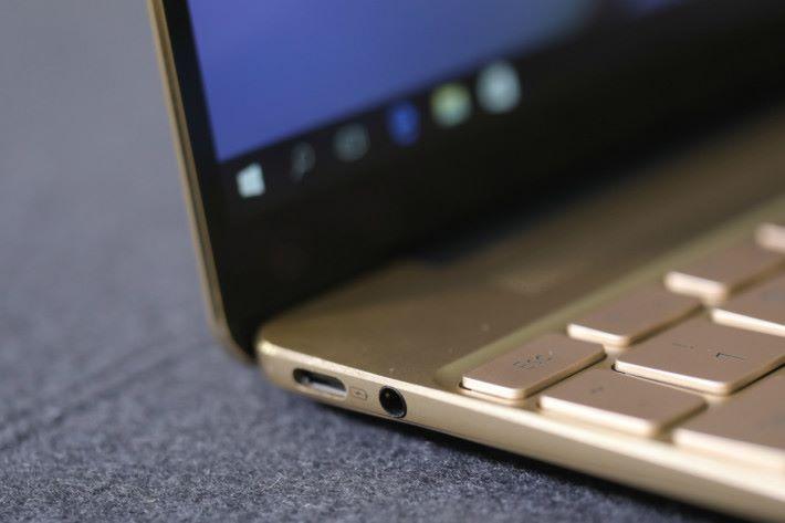 Huawei Matebook X 只有兩個 USB Type-C Port。