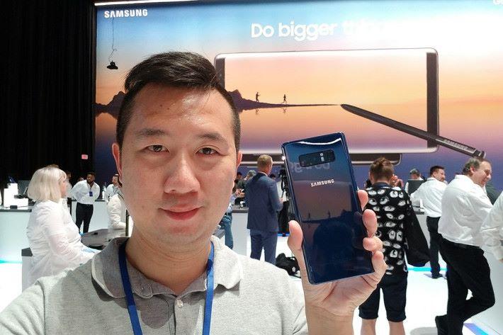 Galaxy Note8 皇者回歸,功能規格到位,再加上便利性十足的 S-Pen,筆者自己也很想擁有這部新旗艦呢!