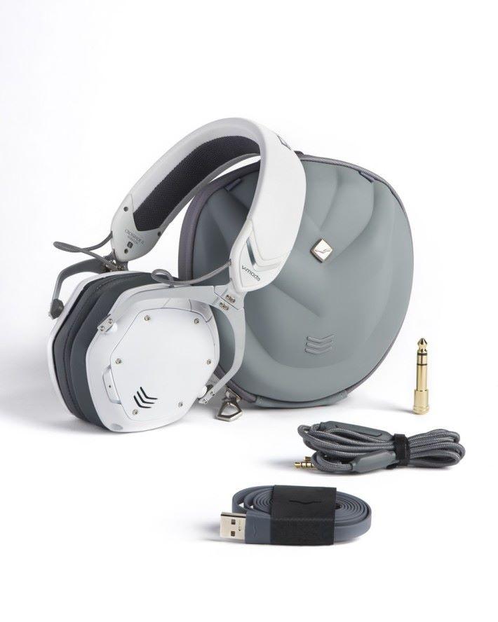 新的防水耳機便攜包備有通風活掩,防止被汗水沾濕的耳機發出臭味。