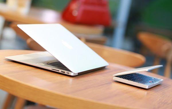 呎寸比一般 MacBook 小得多。