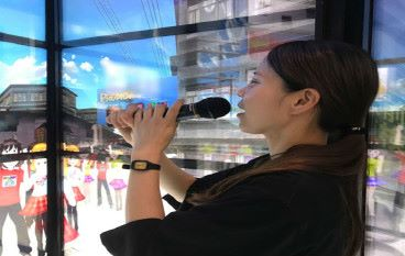 日本「超感覺卡拉 OK 」 閂埋房門開 VR 個唱