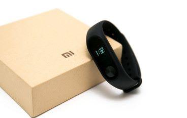 小米手環出貨量超越 Apple Fitbit