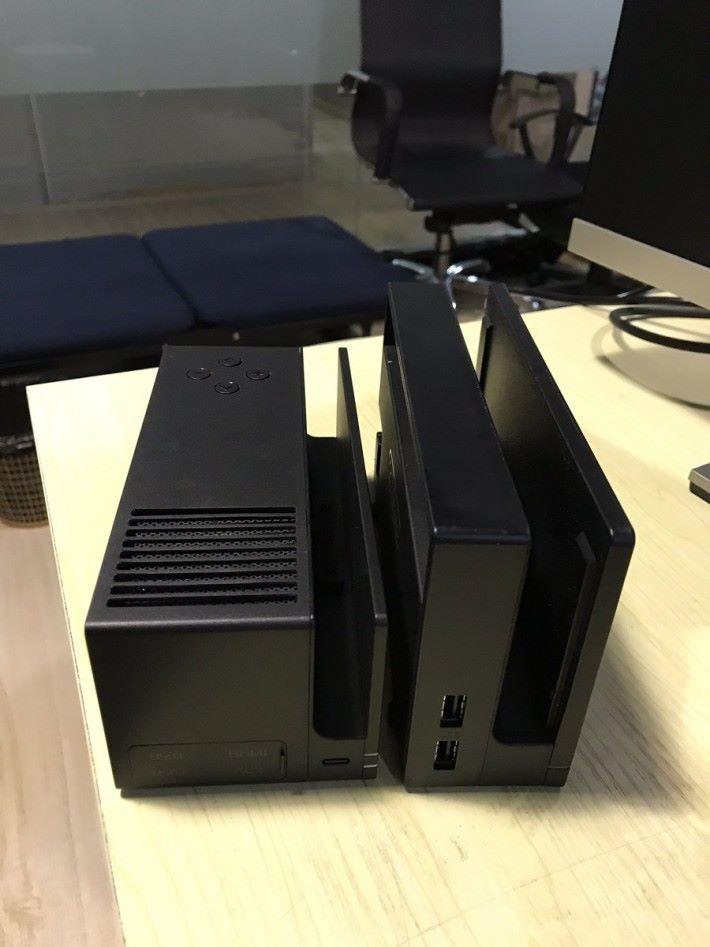 投影器(左)與 Switch Dock 的大小相約