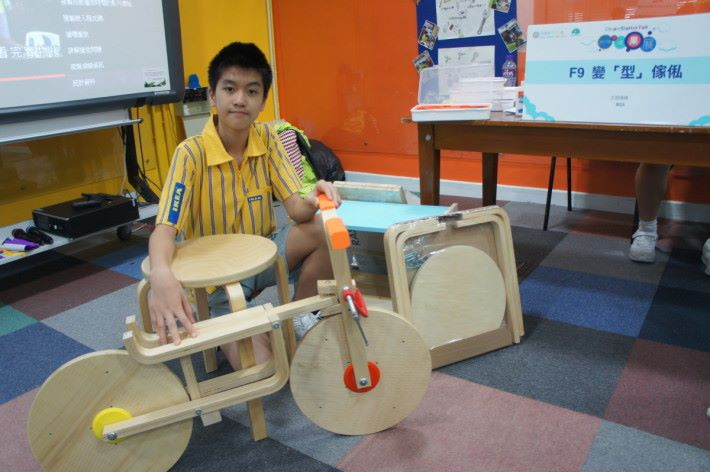 盧銘賢參與的是變型家俬計劃,他表示 DreamStarter 計劃讓他改變很多。