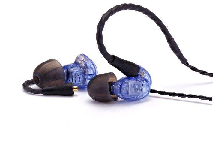 送你 UM PRO 10 入門級耳機