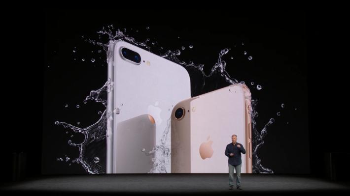 在 iPhone X 的壓力下,iPhone 8 的銷情會否凍過水??