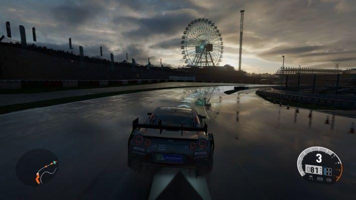 天氣變化會改變賽道的行駛感覺,甚至可能影響車輛的操控表現,玩家能體驗最逼真的駕駛效果。