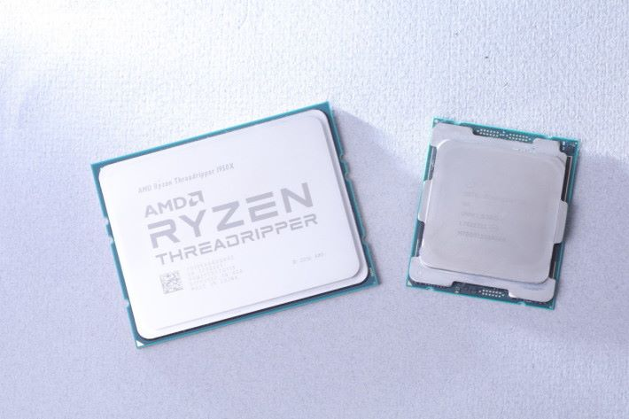 Ryzen Threadripper 1950X 比 Core i9-7900X 幾乎大上三分一。