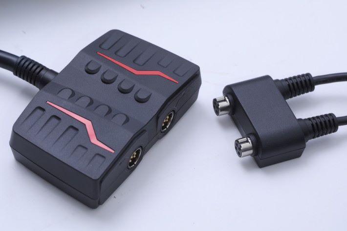 由於用上高階硬件,需要使用雙火牛供電。