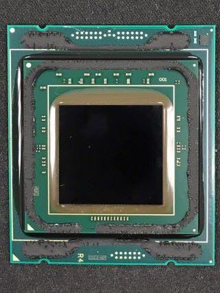 被開蓋的 i9-7920X。