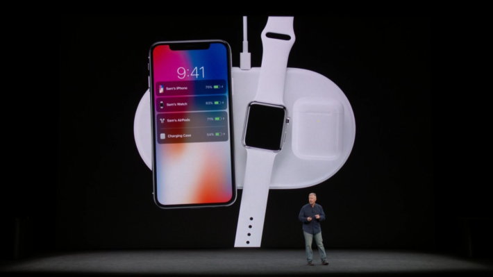 除了 iPhone X , Apple Watch series 3 和 AirPod 的選購無線充電盒都可以使用 AirPower
