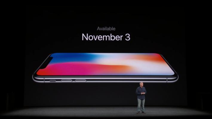 iPhone X 11 月 3 日正式發售。