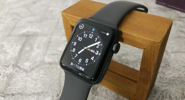 同事在日本買回來 Apple Watch Series 3