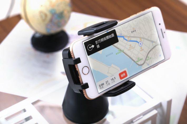 Energea WinMount 讓你在駕車時也能享受 Qi 無線充電的便利性。
