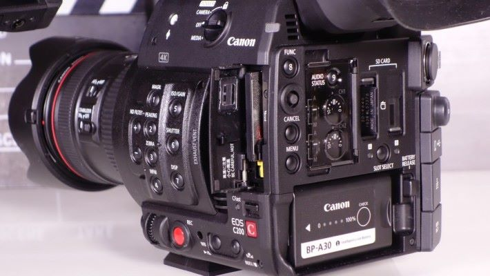 4K Cinema Raw 格式,可以直接記錄在 CFast 記憶卡內。