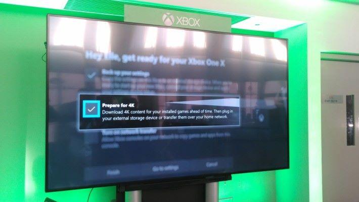 玩家於轉移資料的同時,可以剔選「Prepare for 4K」,主機會自動下載遊戲更新檔,自動升級至 4K 規格輸出。