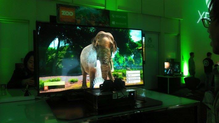 大家能以第一身視點,直接與不同動物進行互動,4K 影像之下仿如真實的世界。