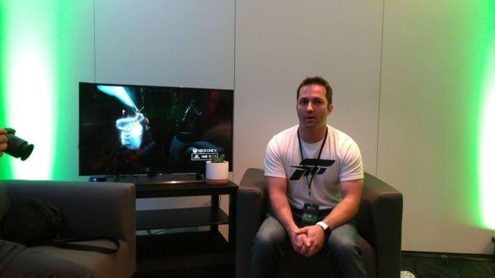 《Forza Motosport 7》遊戲產品經理 Chris Bishop 與記者分享開發期間的各種點滴。