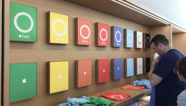 開一日的 Apple Store 買限定品