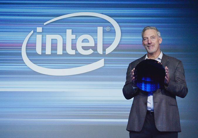 Intel 在北京展示 10nm 製程的晶圓。