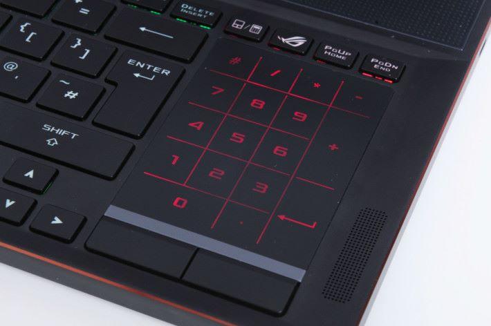 一鍵即可轉換模式,或者玩家可以停用接觸板模式。