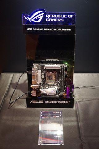 Z370-I Gaming 屬首款 Z370 Mini-ITX 主機板,仍提供雙 M.2 插槽、板載802.11ac Wi- Fi,更可對應高達 DDR4-4333 記憶體,細板一樣可以大超特超。