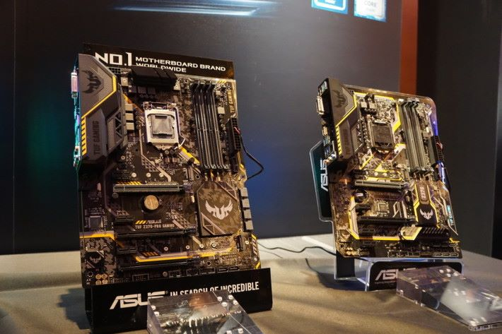 TUF Gaming 打頭陣推出 TUF Z370-Pro Gaming 及 Z370-Plus Gaming 兩款成員,風格令人耳目一新。