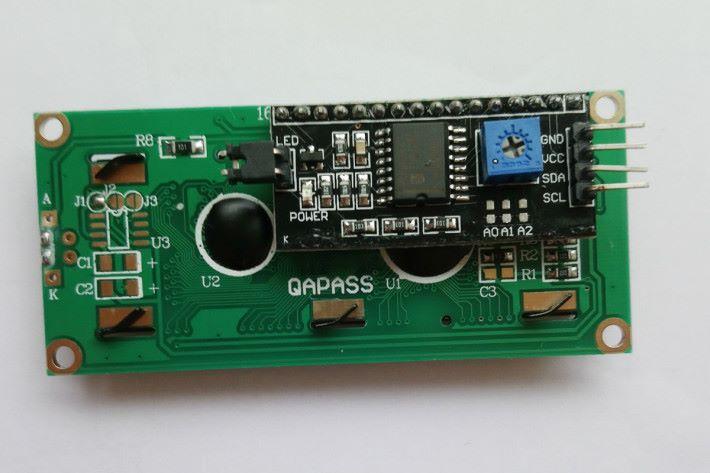 LCD wiring 背面是接線口。
