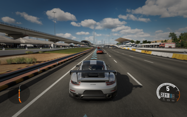 《Forza Motorsport 7》可以對應 Xbox One X,提供 4K@60fps 的遊戲畫,帶來最逼真的賽車體驗。