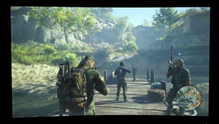 遊戲的對比度明顯提高,畫面暗位細節也能清晰呈現,畫面流暢度與連貫性不錯,瞄準與射擊反應極佳。